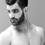 Barba corta en disminución hacia las patillas