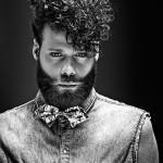 Barba marcada que destaca la línea de los pómulos