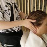Masaje en toda la zona de la cabeza, hombros y cuello
