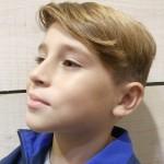 corte para niños con raya de costado